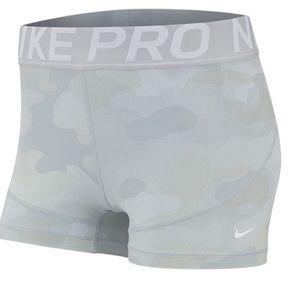Nike pro 3 Fall Rebel camo training short NWT M